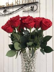 池袋プリザーブドフラワー専門店フラワーショップリズカの店内ダイヤモンドローズレッド赤バラ